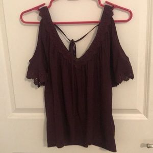 Fashion shirt with cut out sleeves